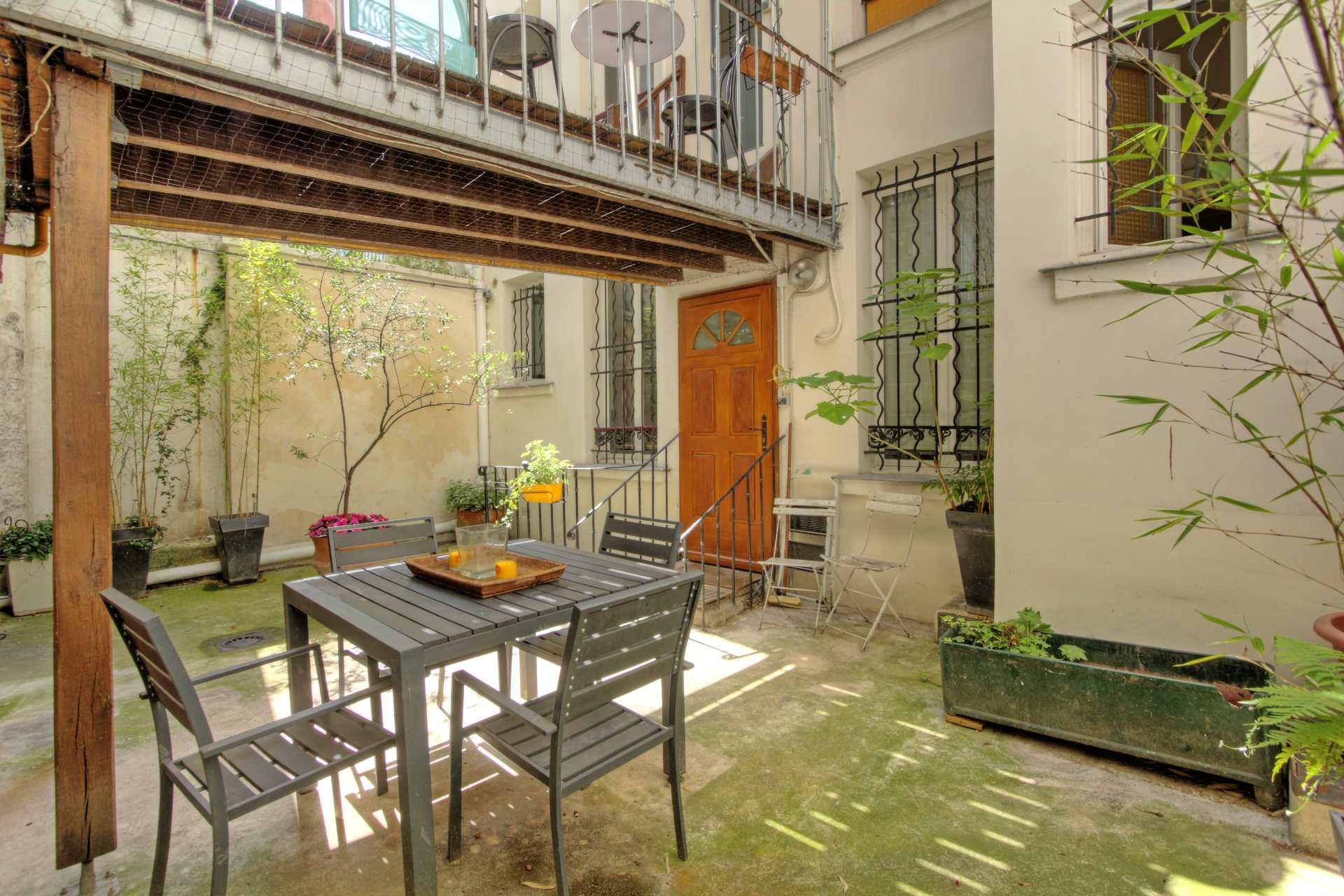 Rare : comme une maison à Montmartre !  Rare : comme une maison à Montmartre ! 1