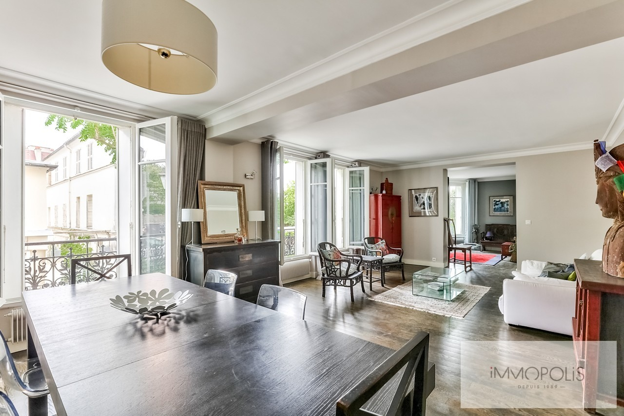 Family apartment of 7 rooms – Haut Junot – Paris XVIII 2
