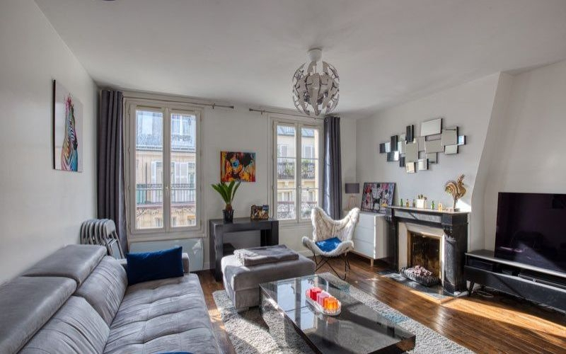 Abbesses sector, rue Burq, modern apartment type f2, general condition irreproachable 1