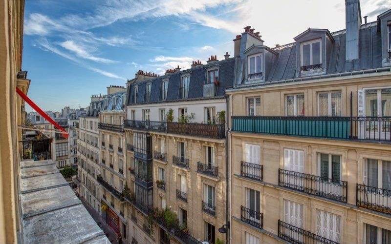 Abbesses sector, rue Burq, modern apartment type f2, perfect condition 5