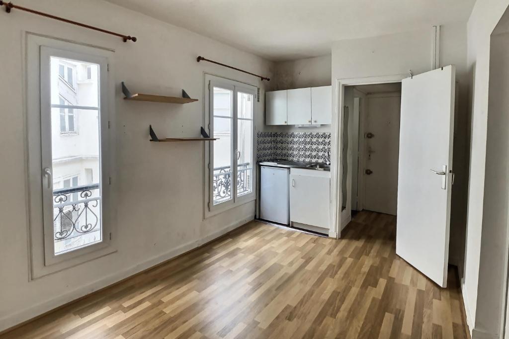 Abbesses studio de 15 m2 1