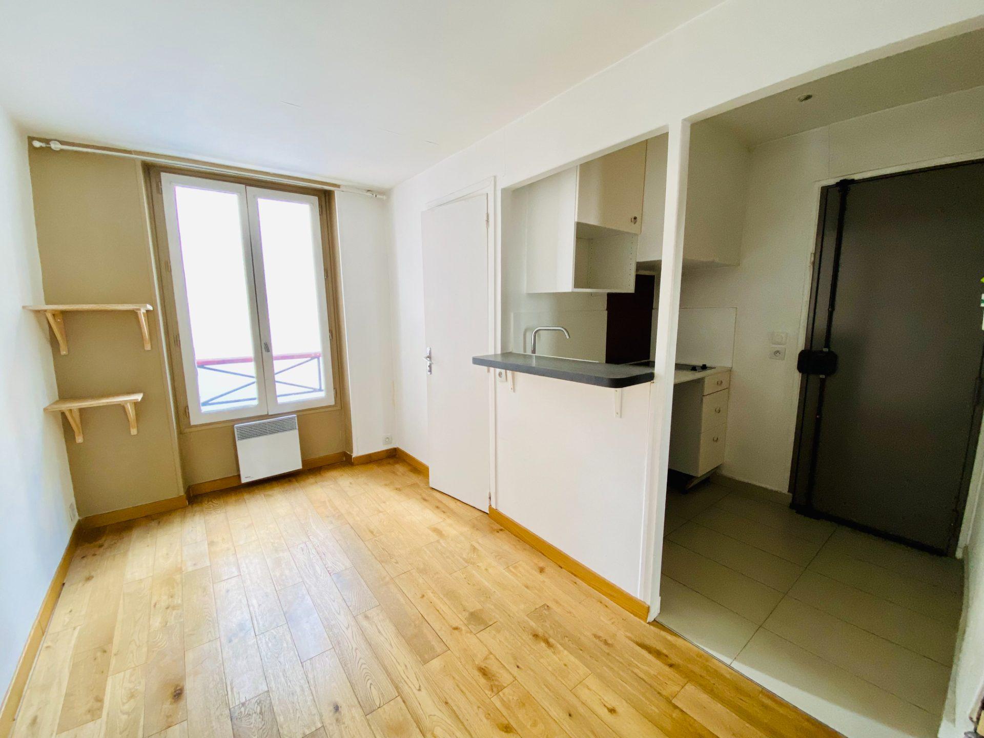 Apartment Paris 18 – 2 piece (s) – 28 m2 3