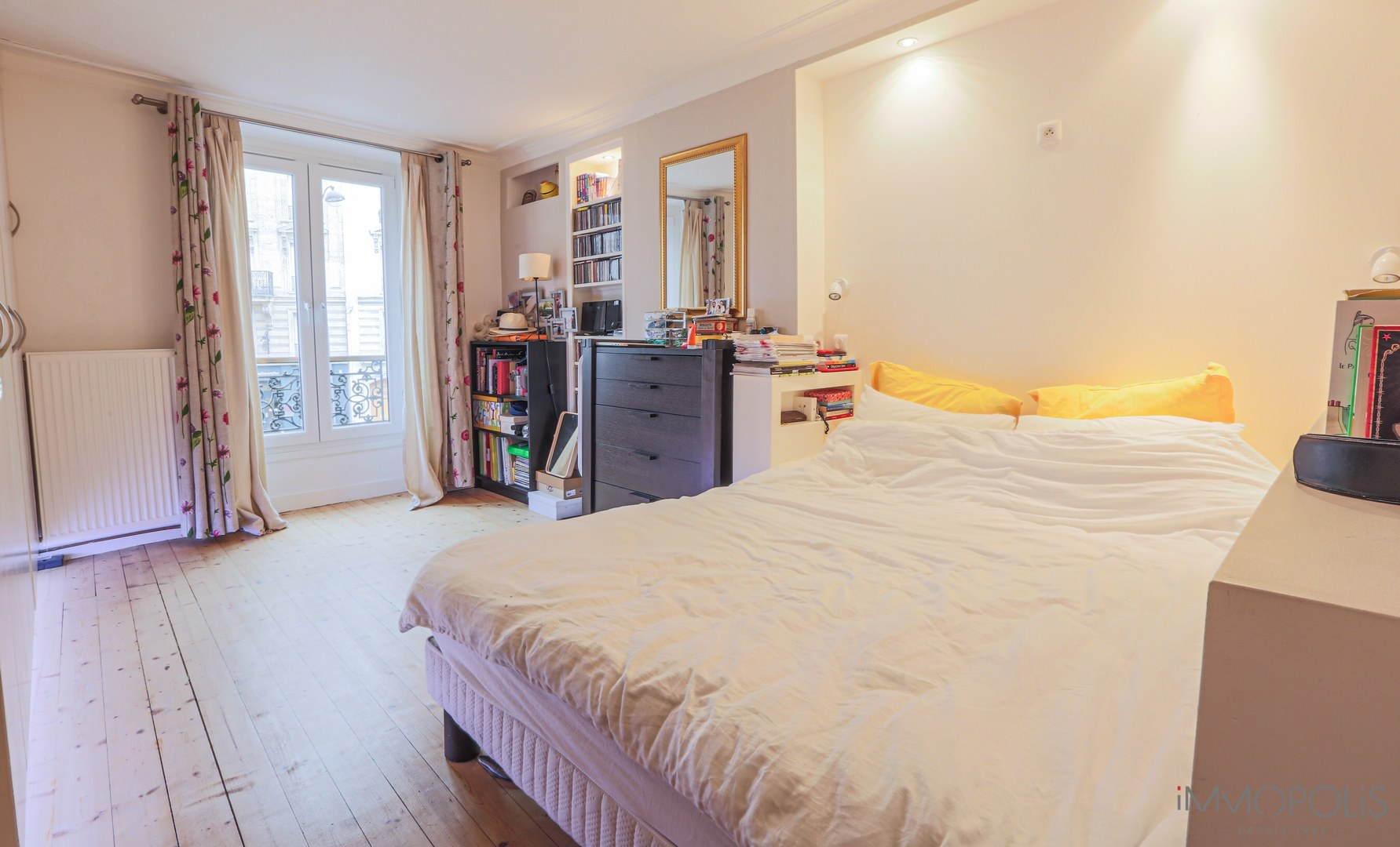 Rue Ramey beautiful 2/3 rooms of 53m ² 1