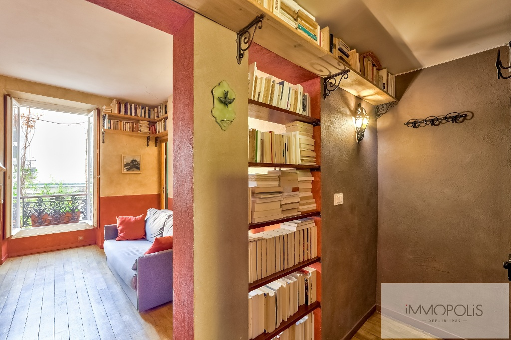 3 rooms full of charm in Abbesses, crossing and calm! 2