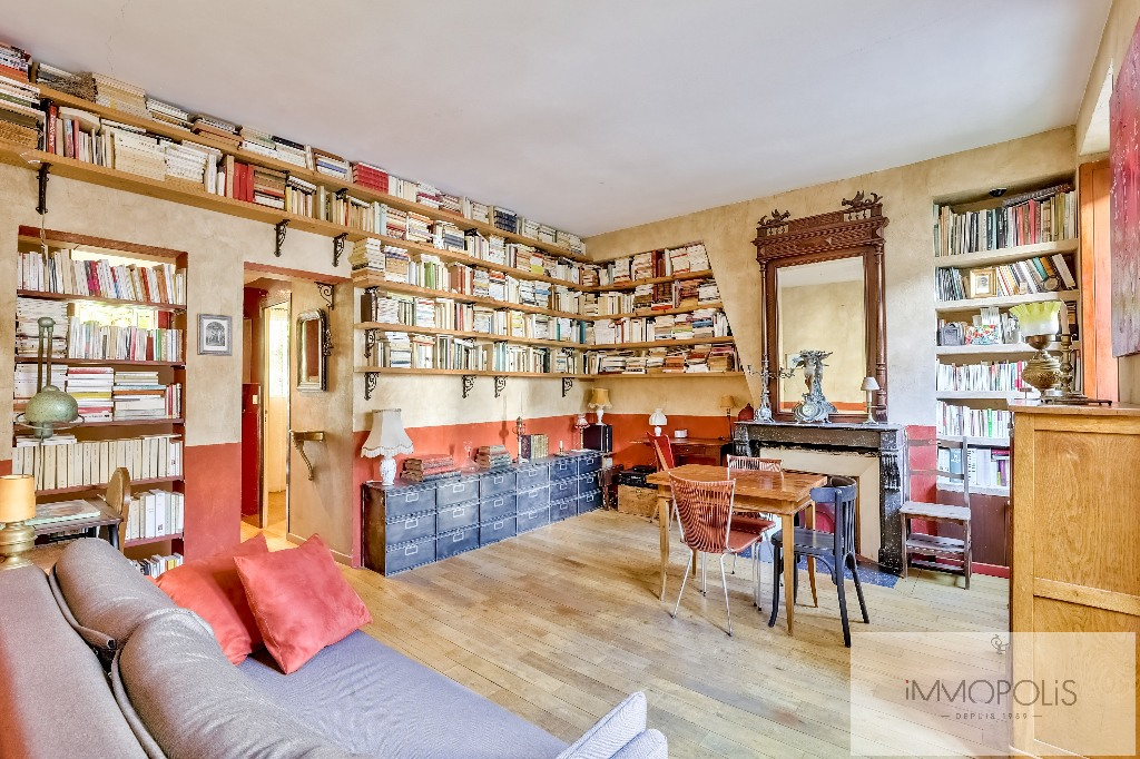 3 rooms full of charm in Abbesses, crossing and calm! 3