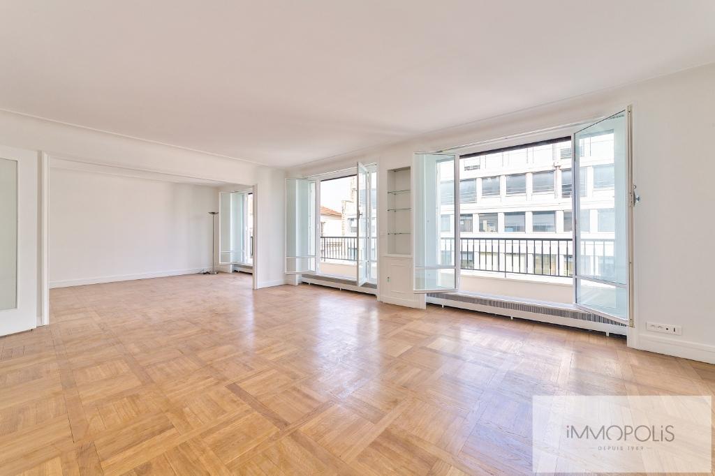 Paris Trocadero 4 rooms of 113 m² with balcony 1