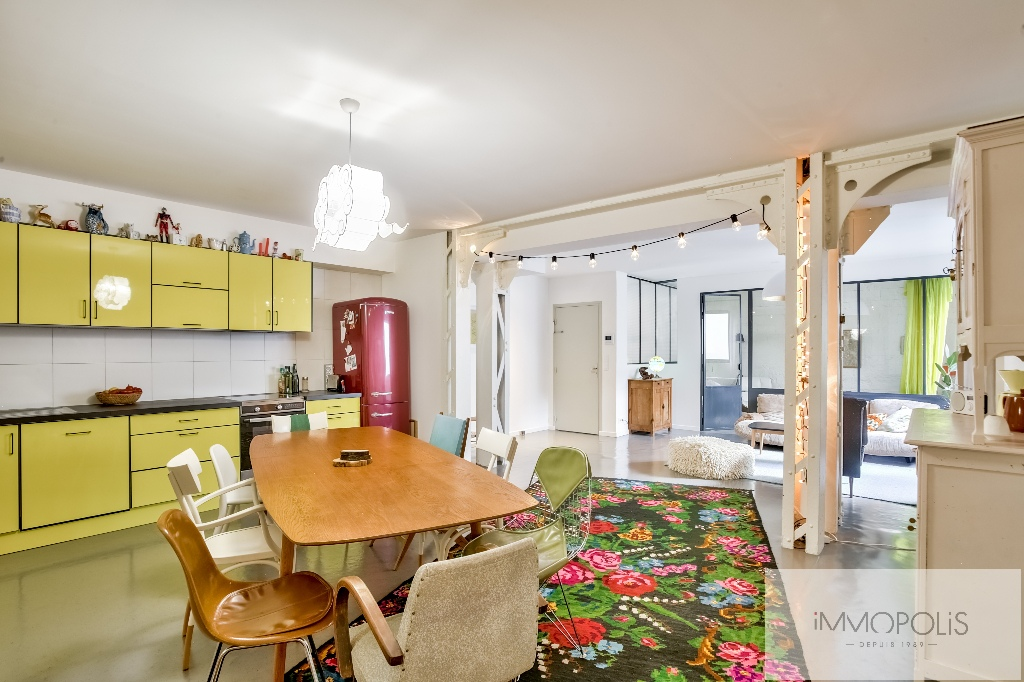 Very good deal! 160 M² loft / industrial apartment «like a house»! 4