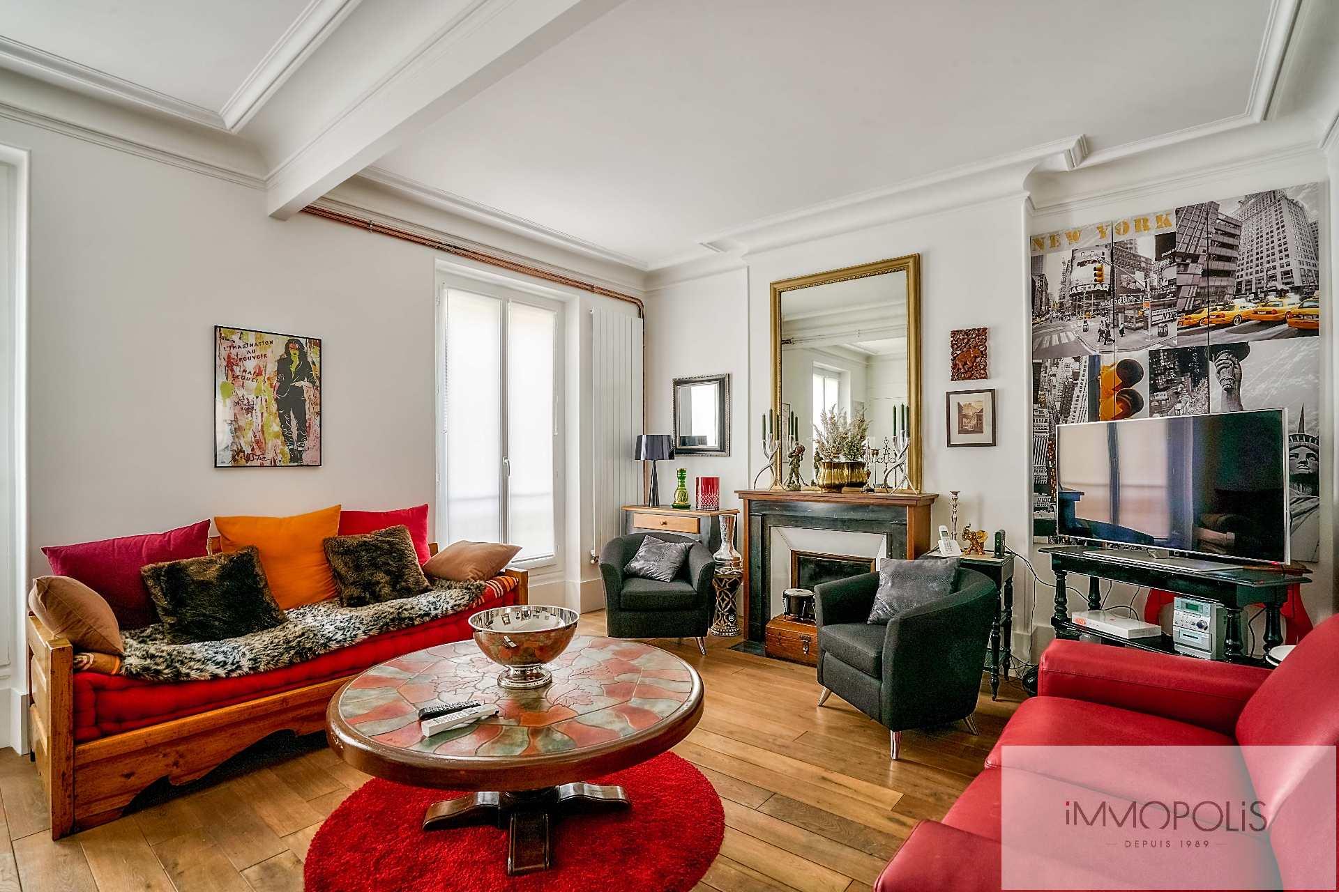 Superbe 3 pièces (1 chambre) à Montmartre, en 3e étage avec ascenseur : belles prestations ! 1