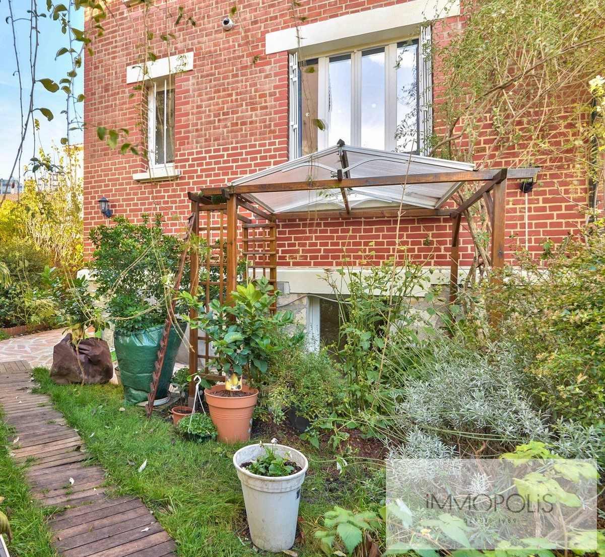 Charmante maison avec jardin et dépendance à Issy-les-Moulineaux (Epinettes) 2