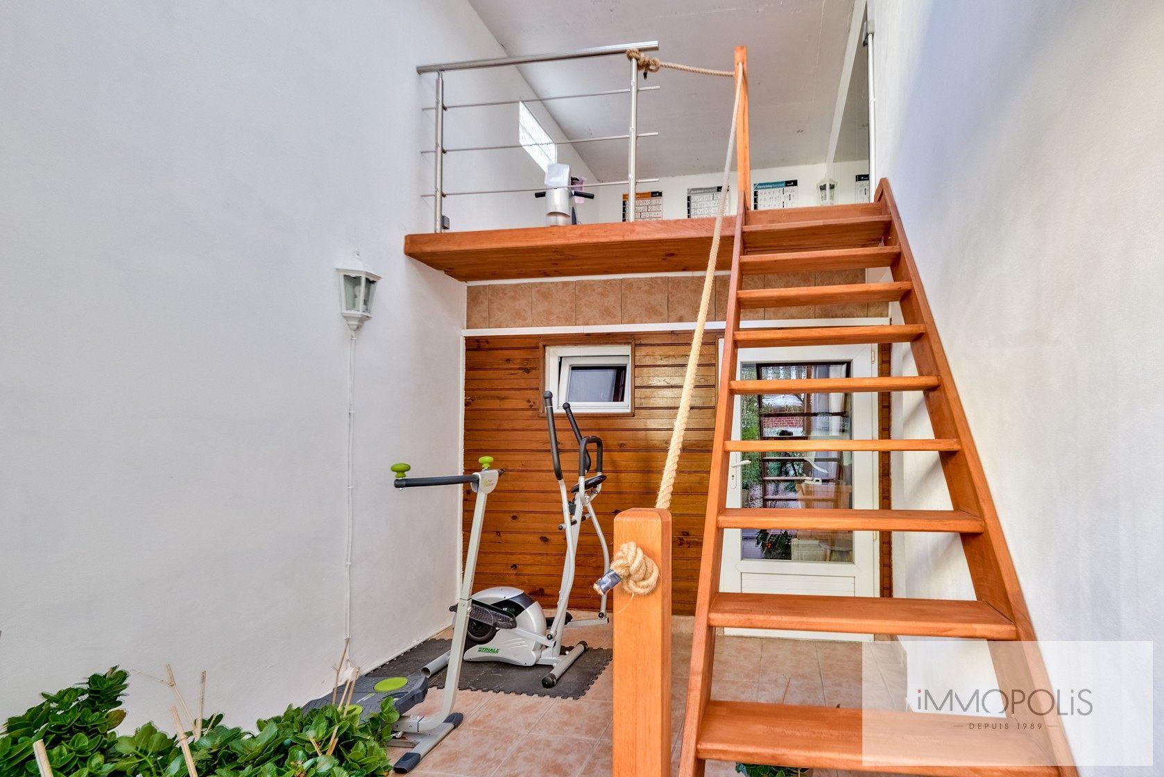 Charmante maison avec jardin et dépendance à Issy-les-Moulineaux (Epinettes) 8