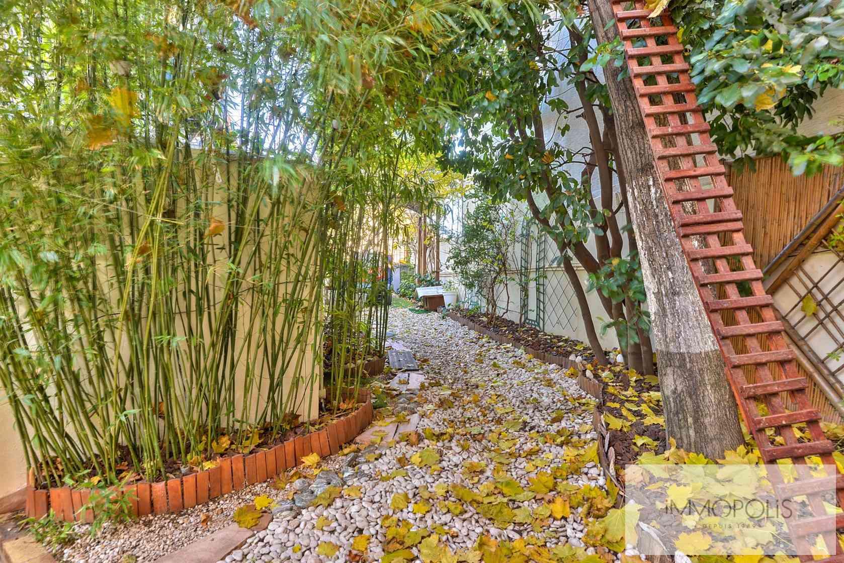 Charmante maison avec jardin et dépendance à Issy-les-Moulineaux (Epinettes) 9