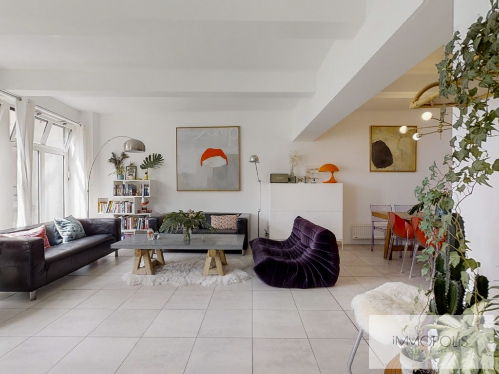 Abbesses: 3 bedroom Loft Apartment 2