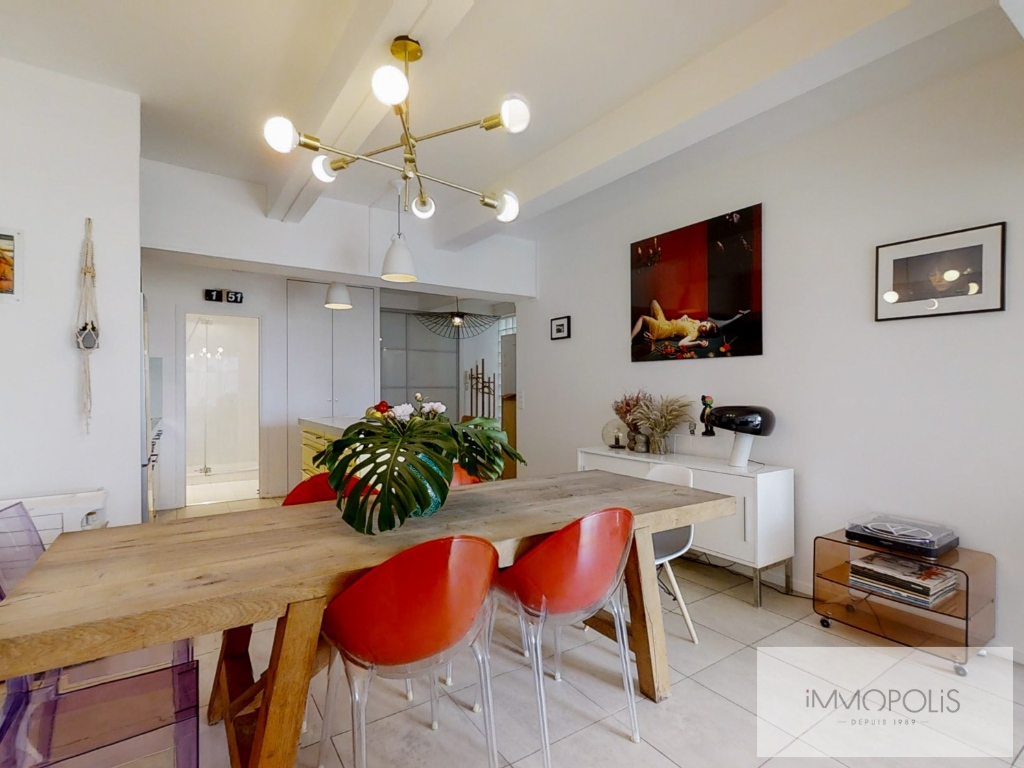 Abbesses: 3 bedroom Loft Apartment 3