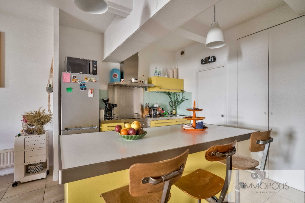 Abbesses: 3 bedroom Loft Apartment 5