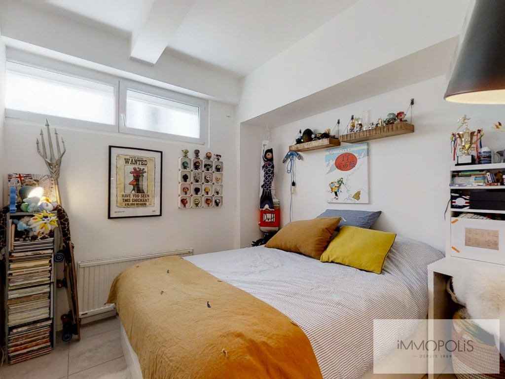 Abbesses: 3 bedroom Loft Apartment 9