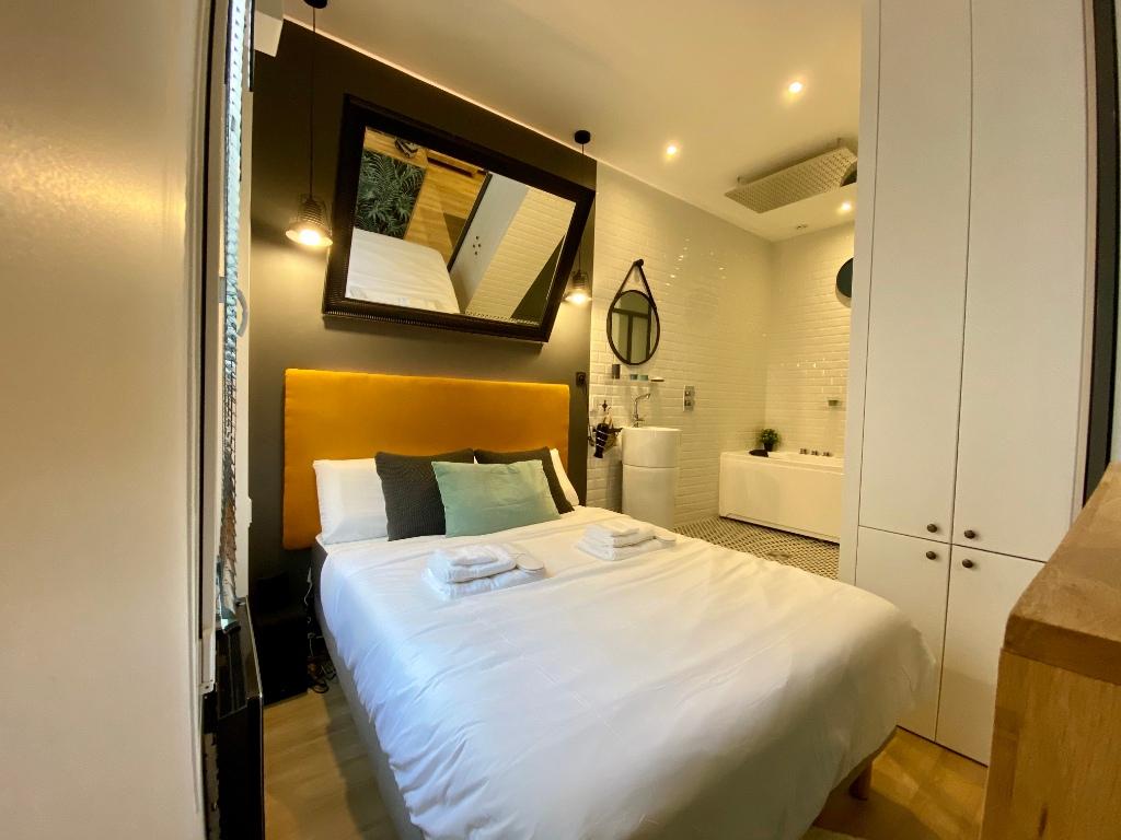 Proche sacré coeur / Rue Muller: Appartement moderne de type F2, état irréprochable, vendu meublé 4
