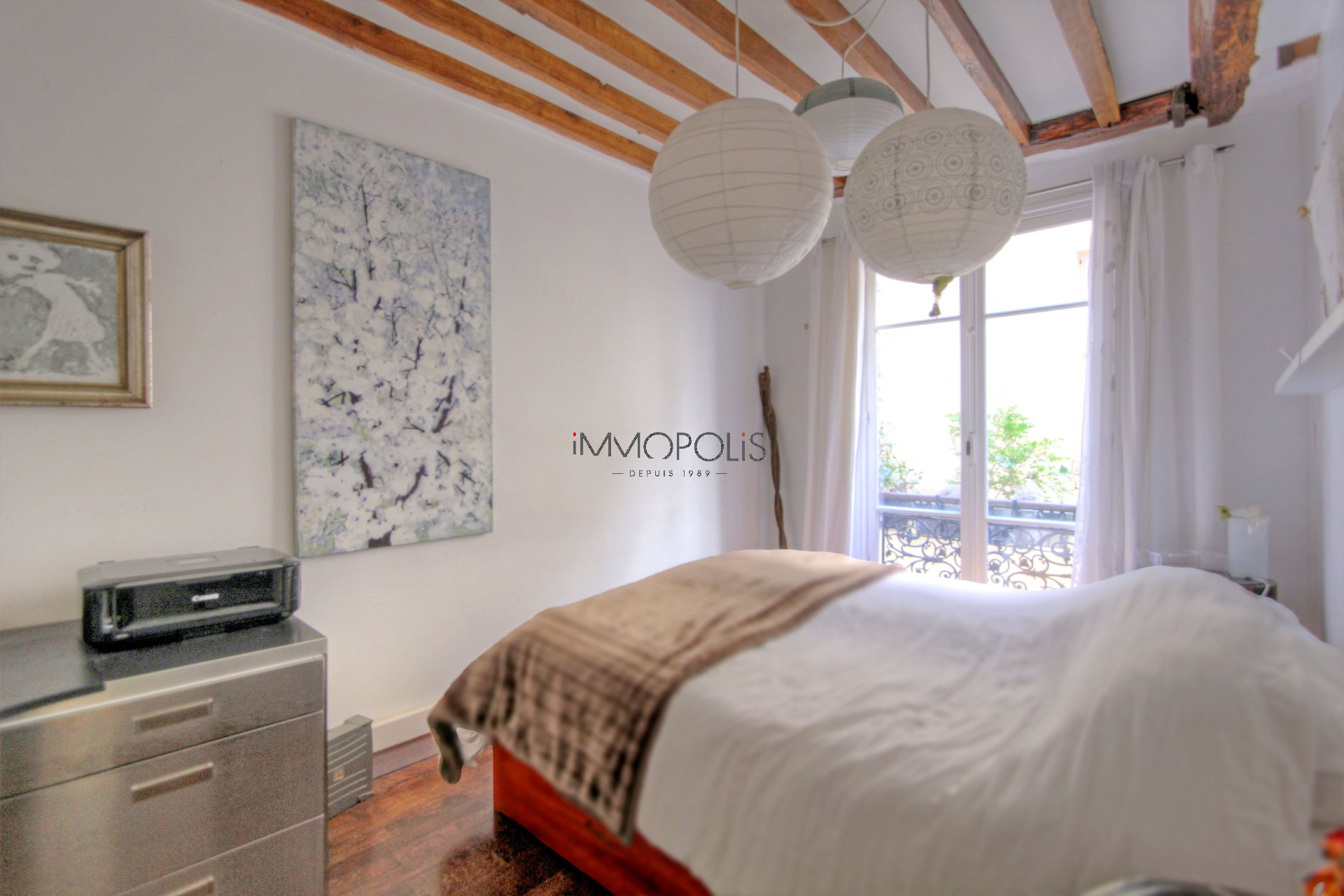 Beautiful 2 room apartment with beams in Montmartre! 5