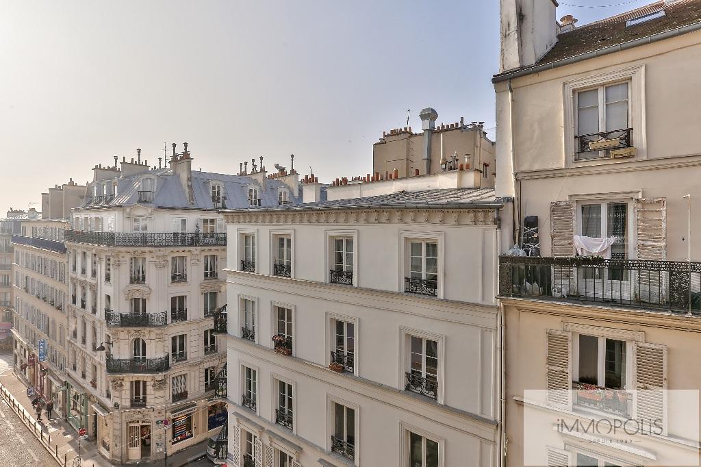 Appartement rue des Martyrs REFAIT A NEUF avec vue dégagée sur Sacré-Coeur 1