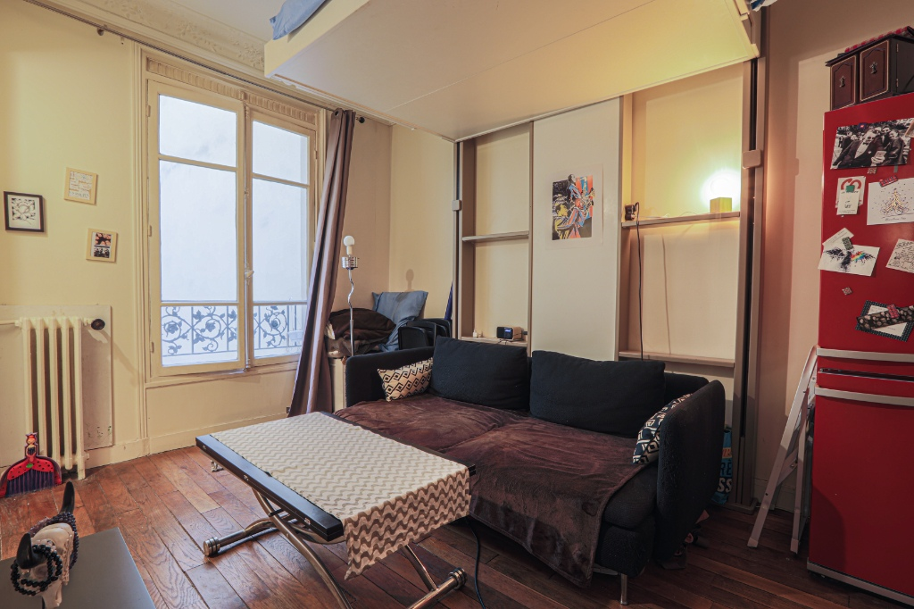 Studio rue Dulong of 23 m2 1