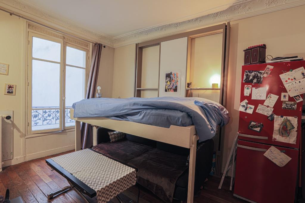 Studio rue Dulong of 23 m2 2