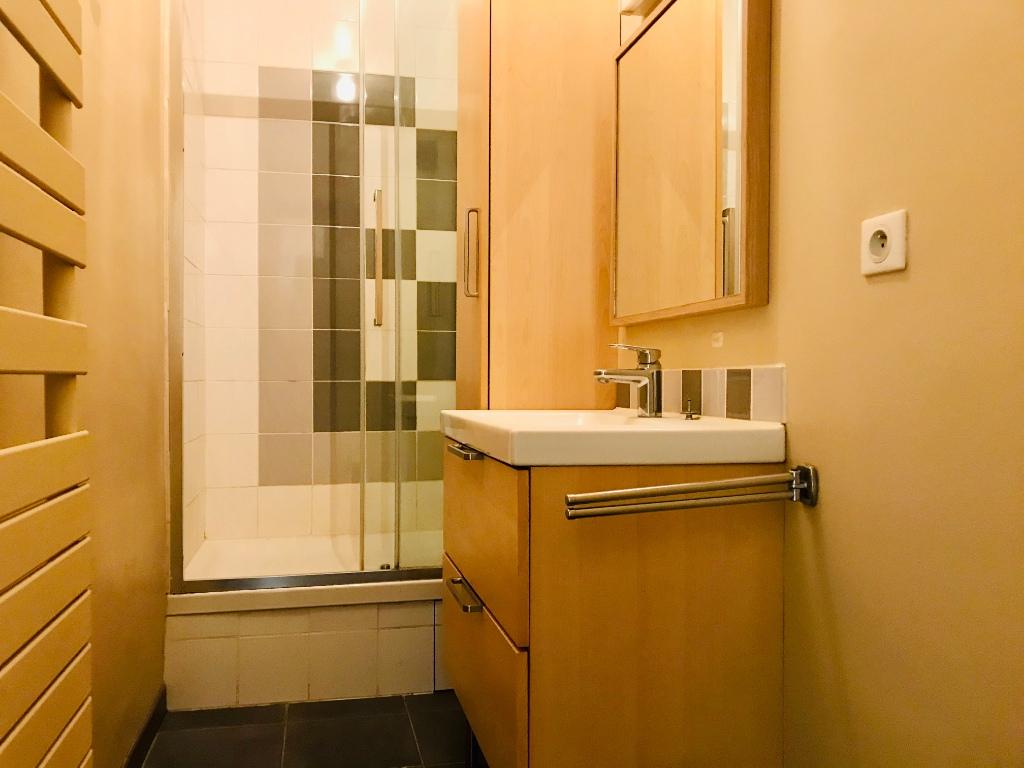 Appartement Paris 17ème 3 pièces vide 63.46 m2 8