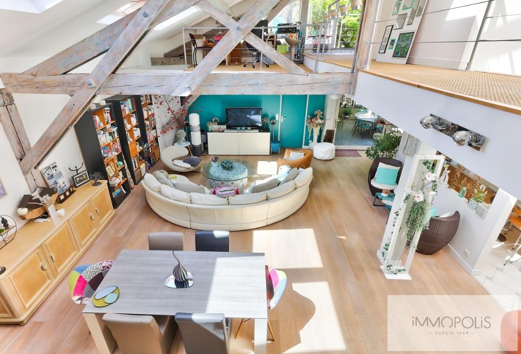 Atelier d'artiste à usage d'habitation de 173 m² – deux extérieurs de 20m² –  place de parking 2