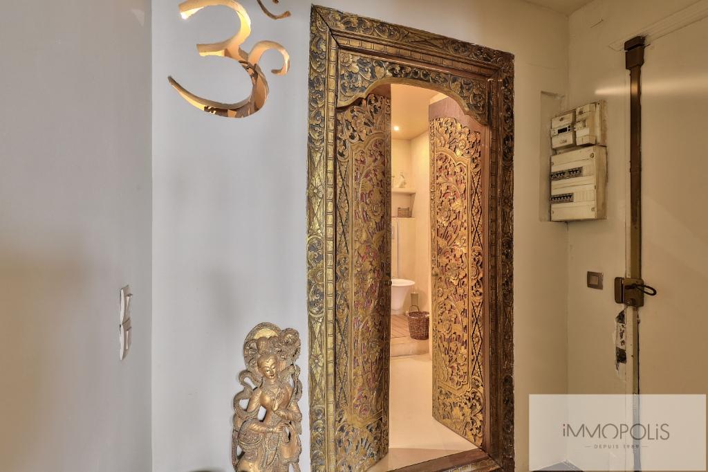 Appartement 2 pièces, double séjour, rue Lepic, quartier des Abbesses 8