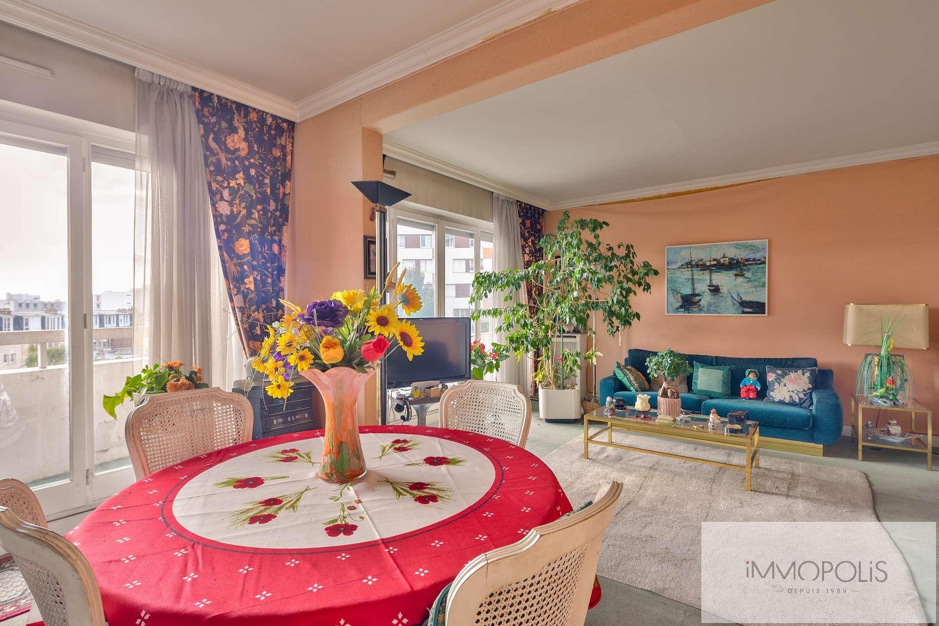 4 pièces avec balcon terrasse et vue dégagée sur jardins et la Tour Eiffel : vendu occupé par usufruitière de 90 ans 2