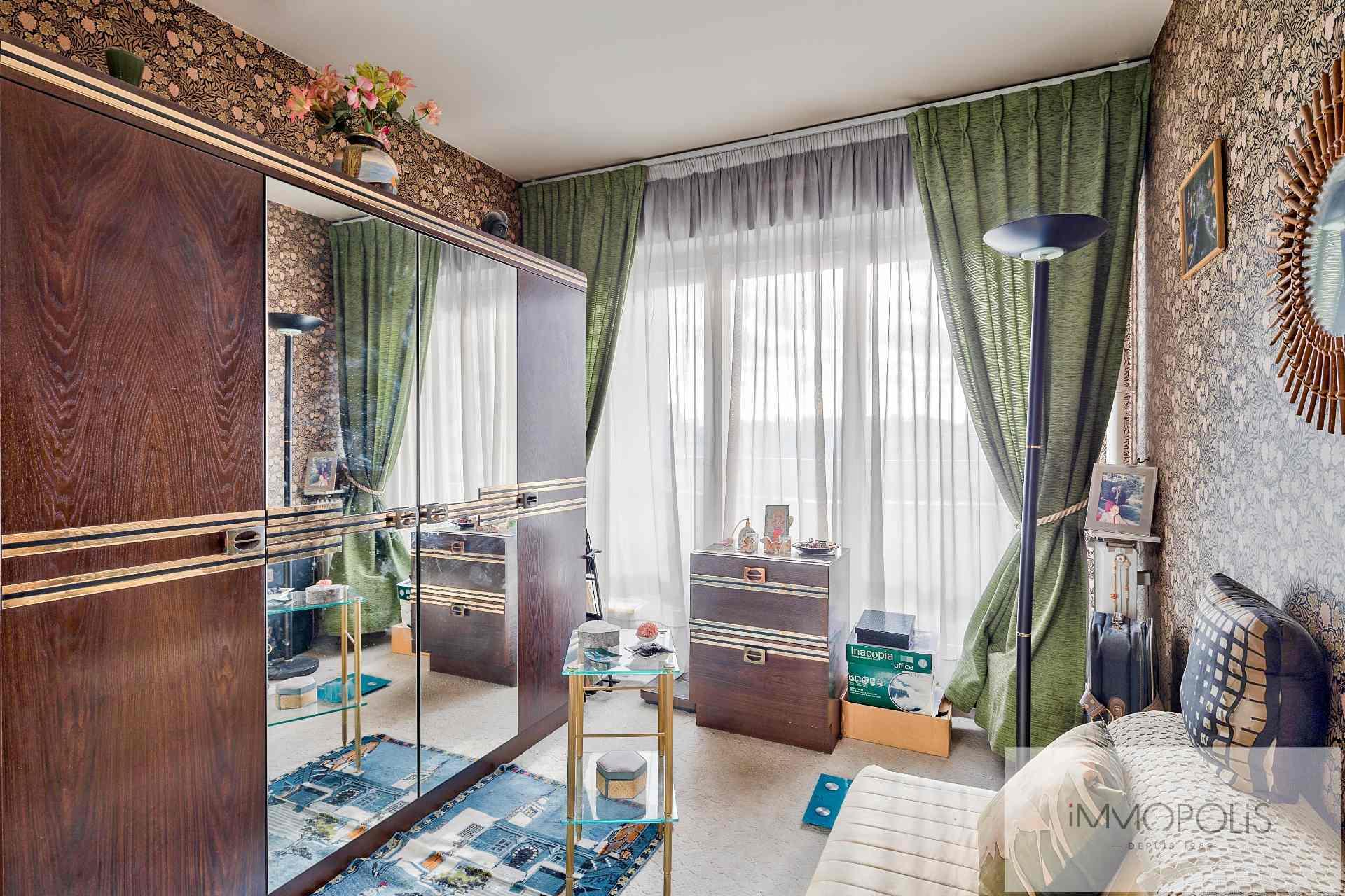 4 pièces avec balcon terrasse et vue dégagée sur jardins et la Tour Eiffel : vendu occupé par usufruitière de 90 ans 8