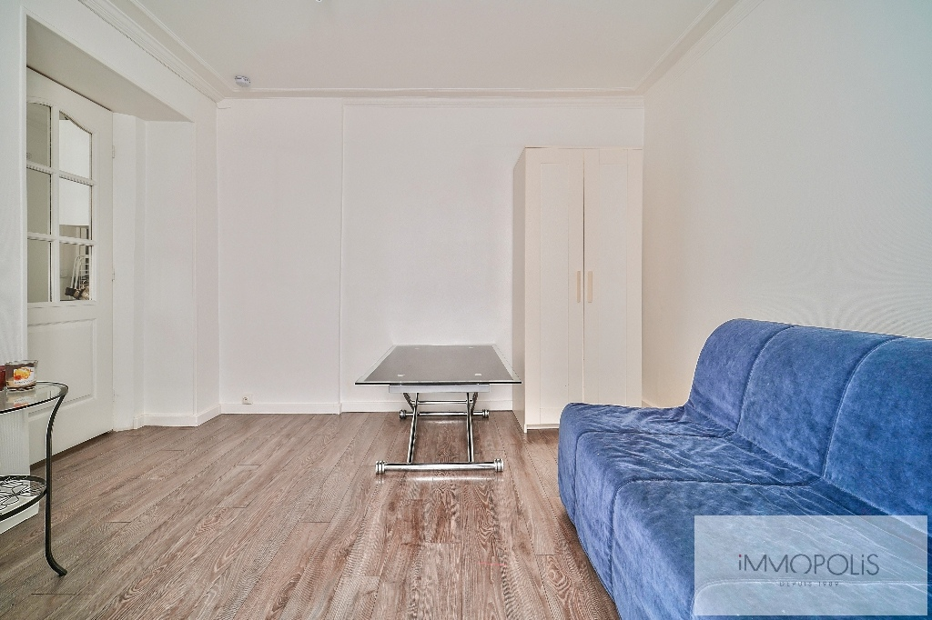 Charming studio in the heart of the Abbesses 2