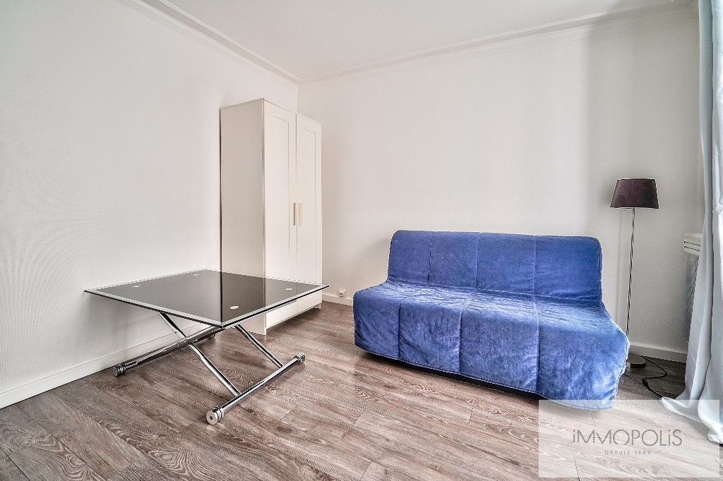 Charming studio in the heart of the Abbesses 3