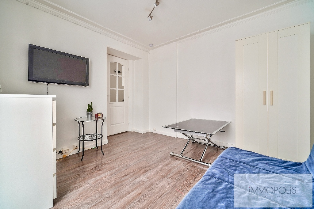 Charming studio in the heart of the Abbesses 4
