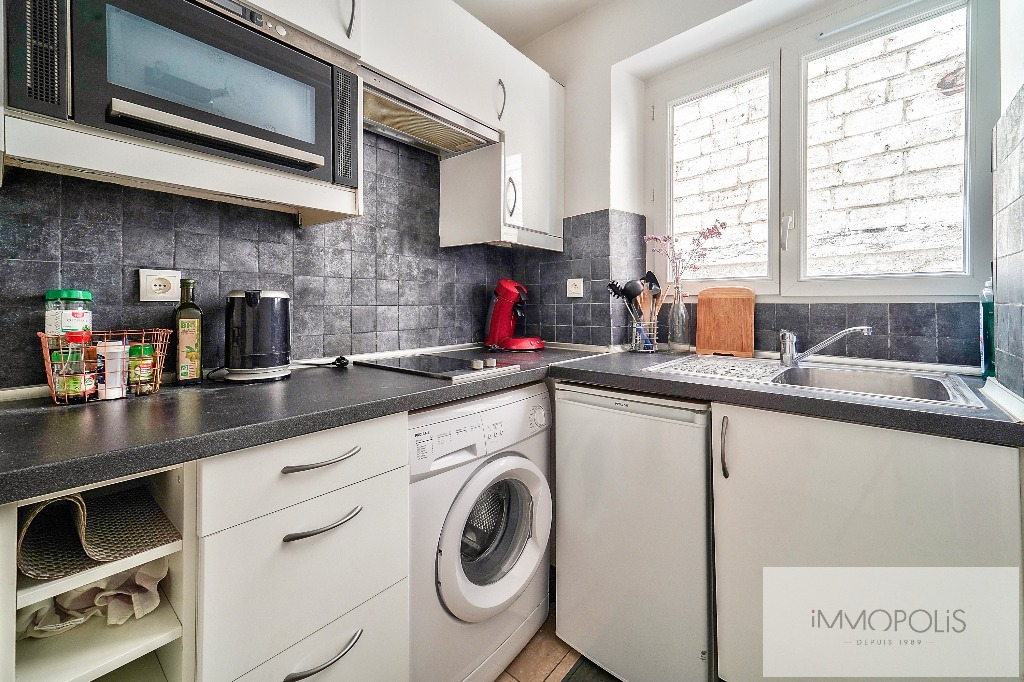 Charming studio in the heart of the Abbesses 6