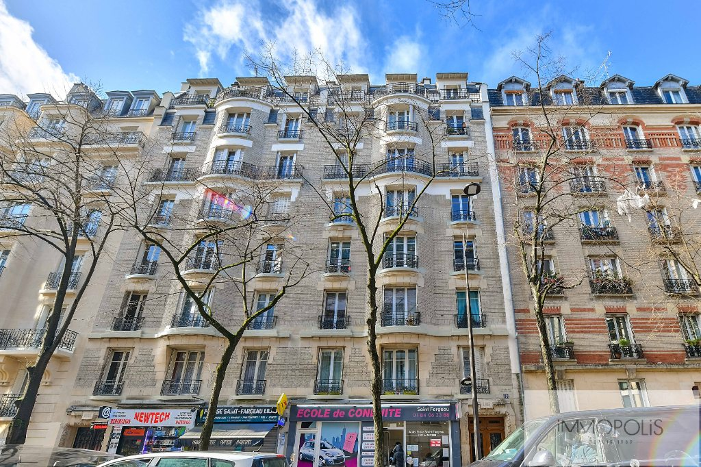 High Potential: 3-Room Apartment FULL SUN, SAINT FARGEAU 1