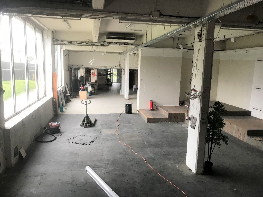 Building base, commercial walls in Ivry-sur-Seine (about 800m²) 4