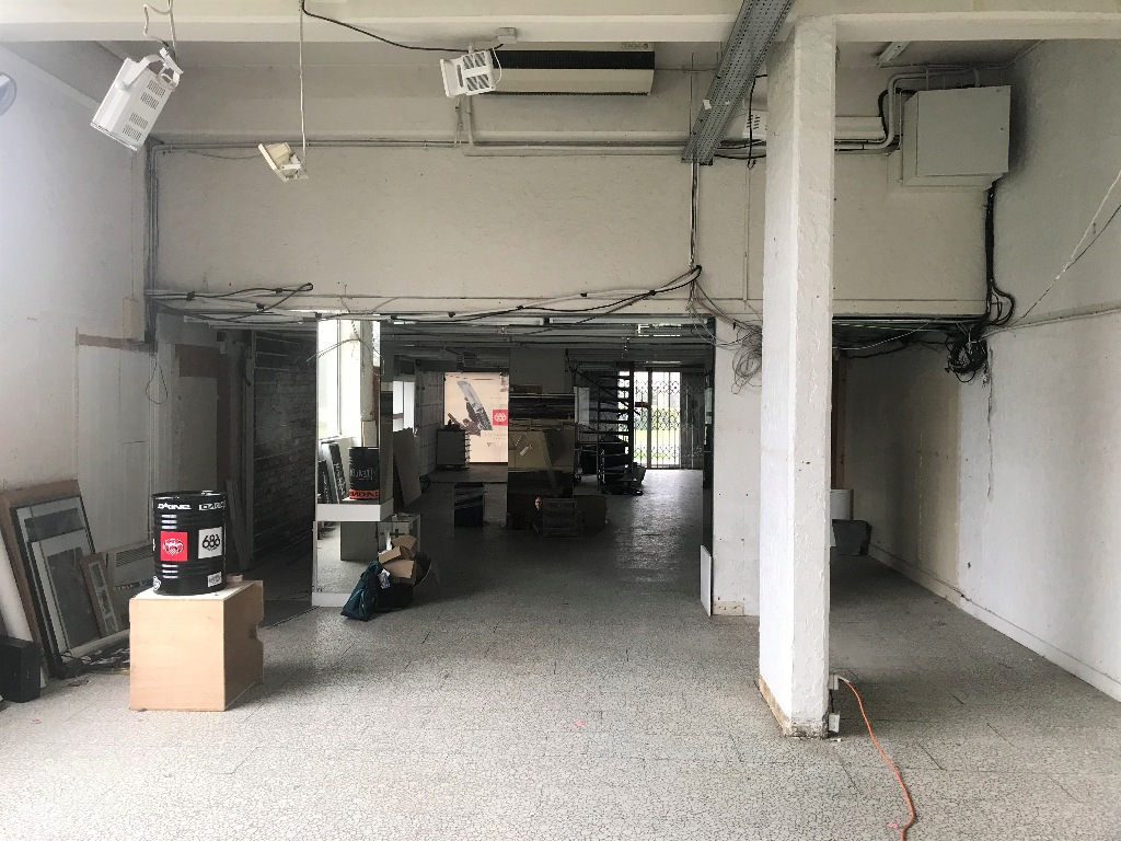 Building base, commercial walls in Ivry-sur-Seine (about 800m²) 6
