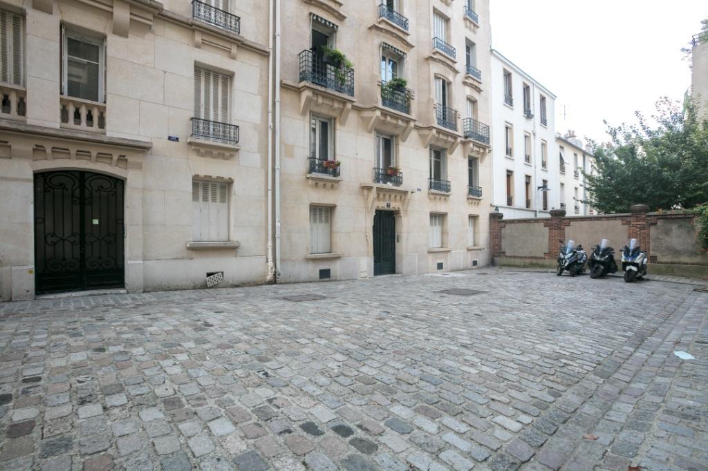 Exclusivity IMMOPOLIS – Charming 2 room apartment of 38 m² – Guy Moquet area 10