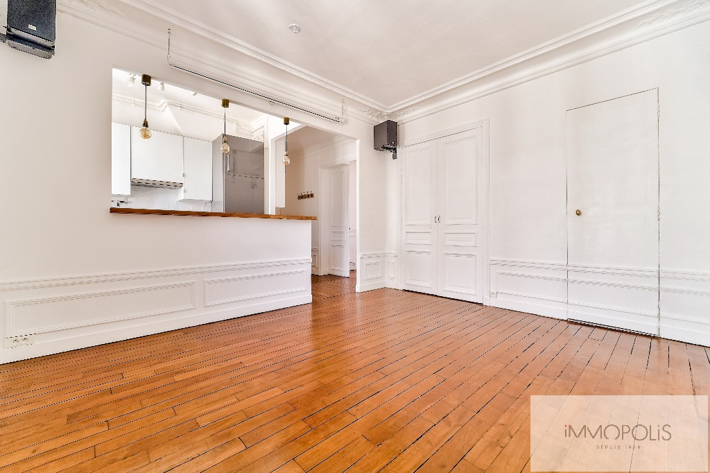 Place de l'Europe, very nice 3 room apartment in perfect condition 4