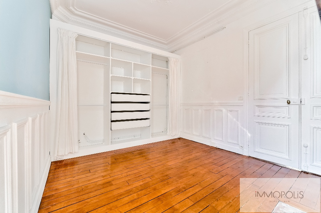 Place de l'Europe, very nice 3 room apartment in perfect condition 7