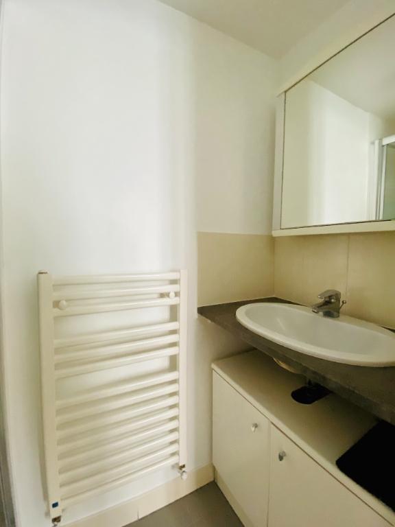 Appartement Paris 2 pièces meublé 33 m2 9