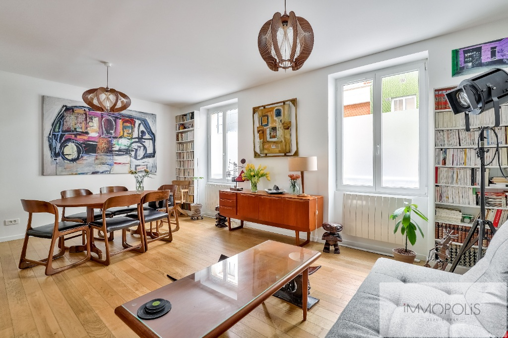 Montmartre Beau Cemetery 3 rooms 2 bedrooms of 61 m² renovated 1