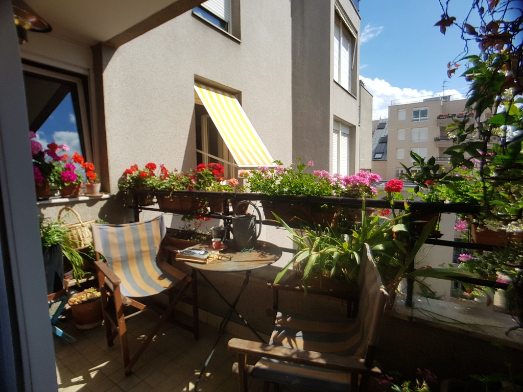 2 ROOMS of 55 m² Balcony Terrace overlooking garden Plein SUD 1