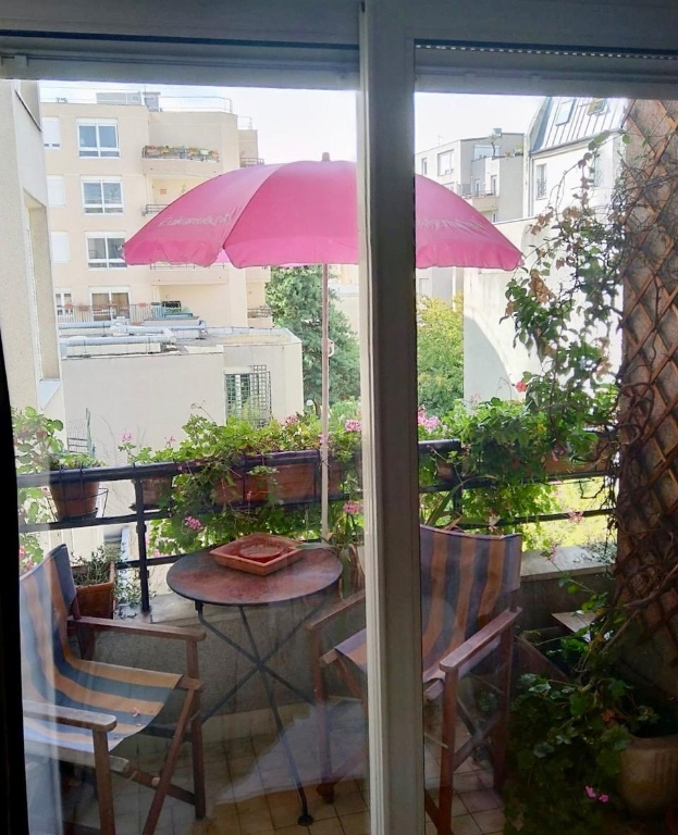 2 ROOMS of 55 m² Balcony Terrace overlooking garden Full SOUTH 11