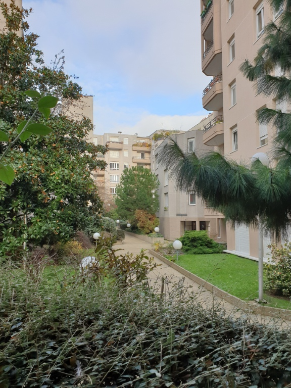 2 ROOMS of 55 m² Balcony Terrace overlooking garden Full SOUTH 14