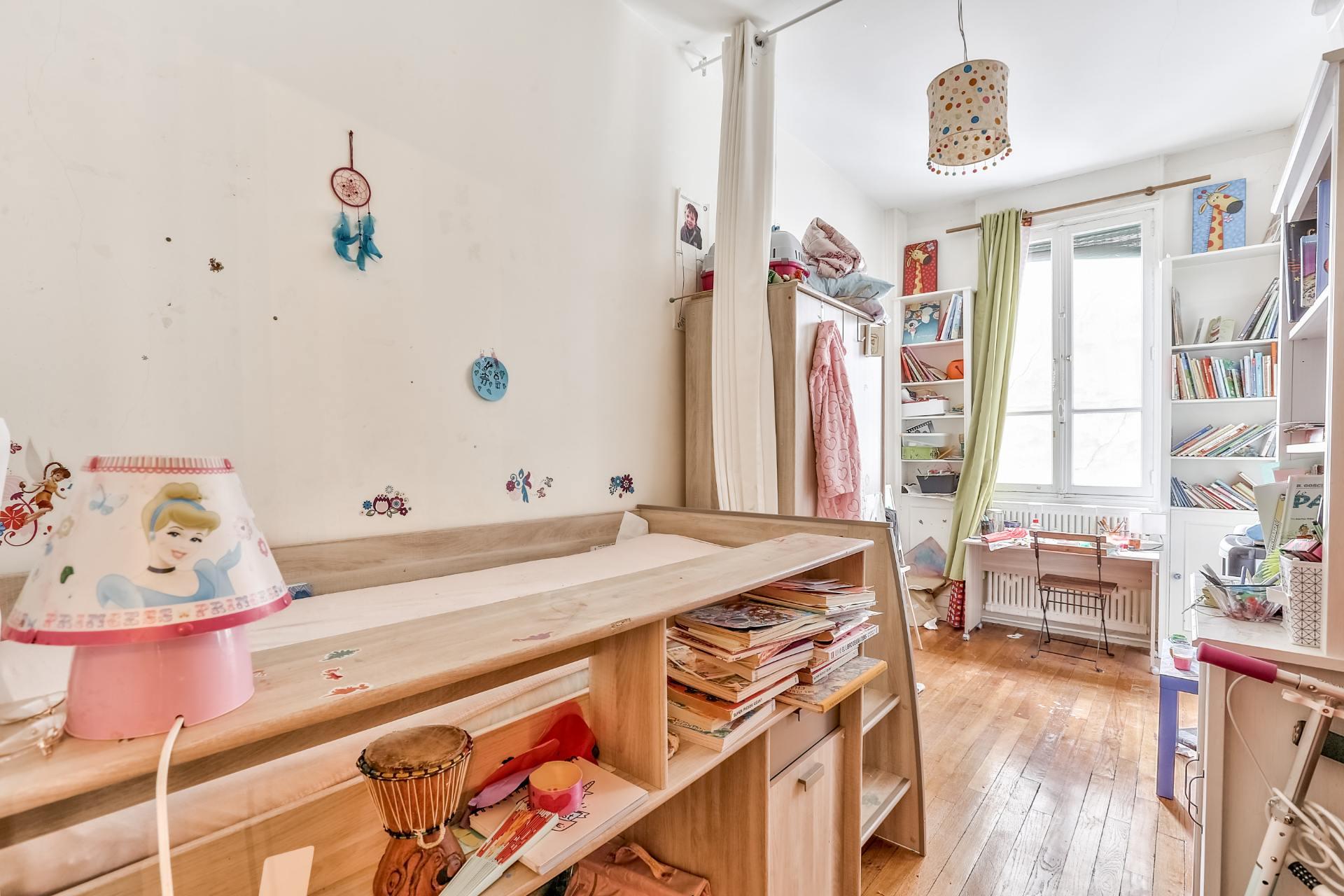 Boulevard Barbès – Very nice 3/4 room apartment of 90.9 m2 5