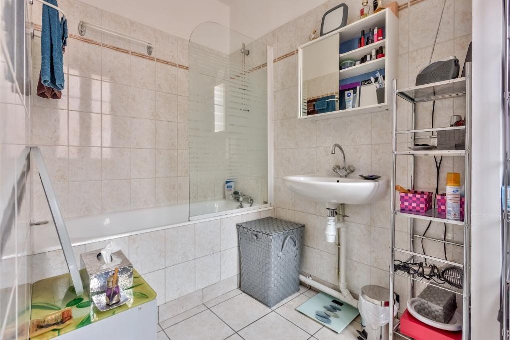 Rue Caulaincourt – 4 room (s) 93 m² – balcony 13