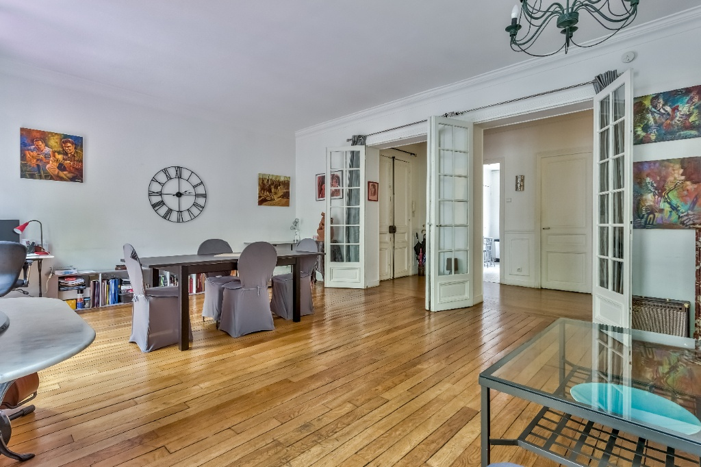 Rue Caulaincourt – 4 room (s) 93 m² – balcony 3