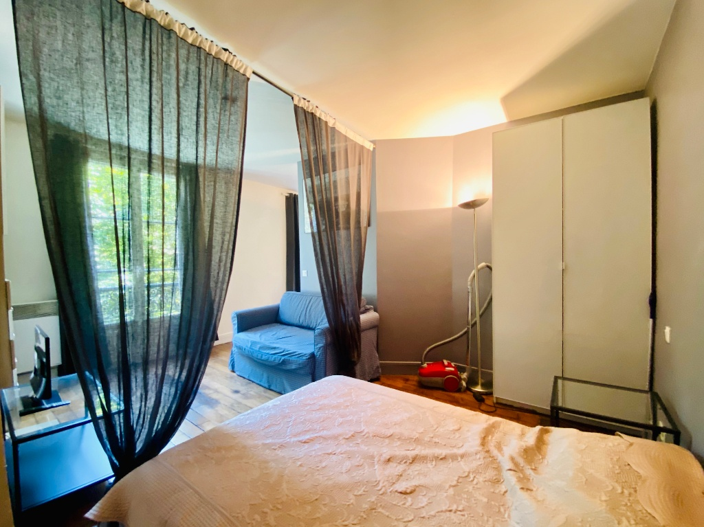 Paris apartment 2 room (s) 31.28 m2 4
