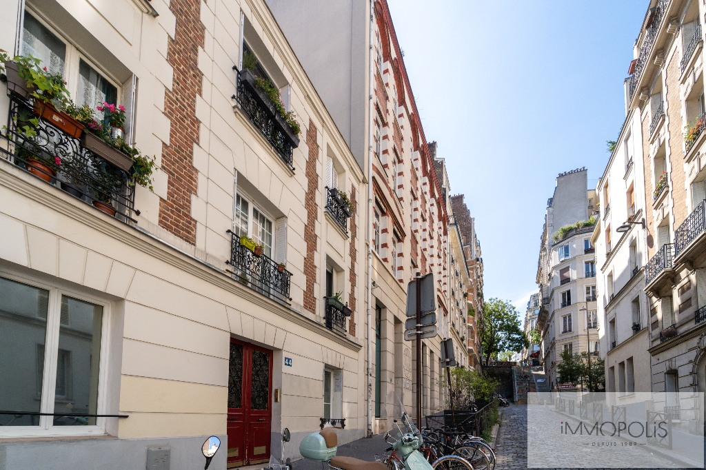 LAMARCK-CAULAINCOURT – Apartment 2 room (s) 29 m2 2