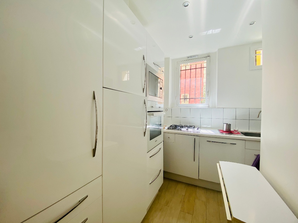 Rue Lamarck Paris 18 – 2 rooms furnished 53 m2 5